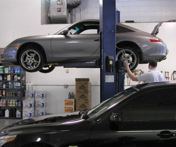 Porsche Technicians with years of experience